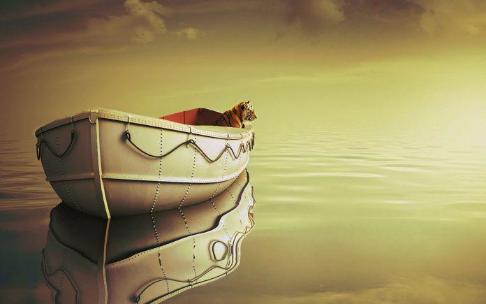 值得收藏的电影《少年派的奇幻漂流》1080p(life of pi) - life of pi boat 1200