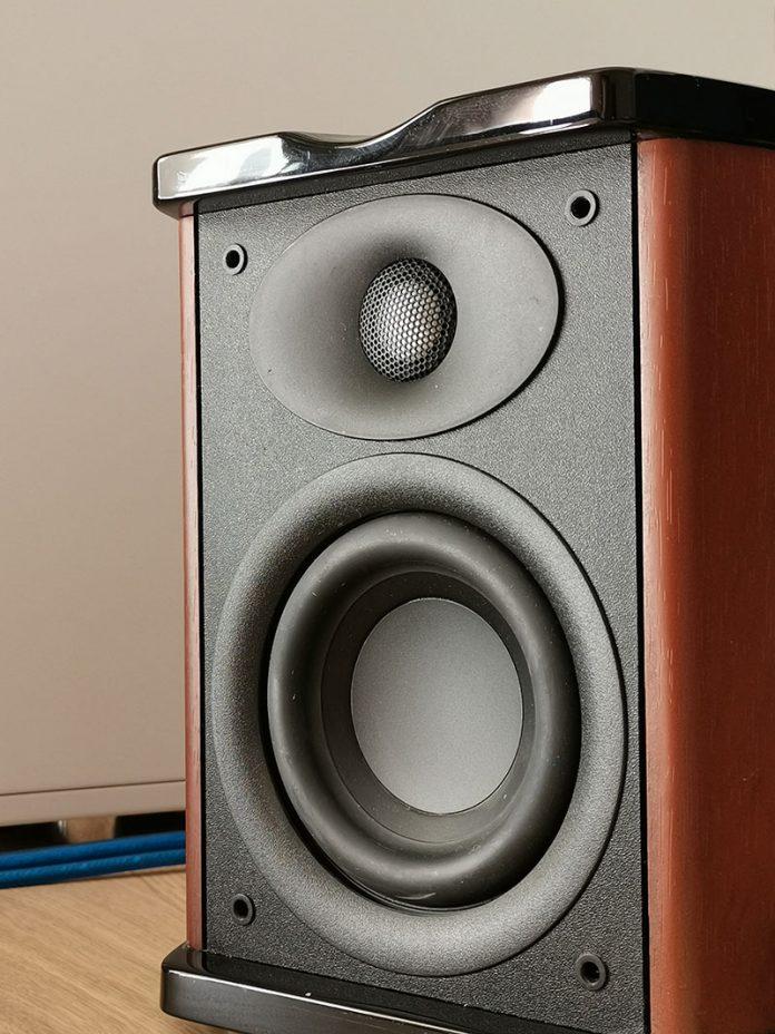 音箱升级1:换掉惠威M100 选PreSonus Eris E3.5还是JBL 104? - hivi m100 2